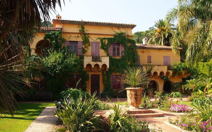Colonial style villa